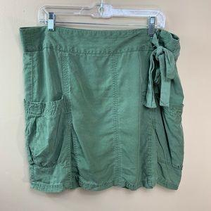 Athleta skirt Women's 14 P green cargo